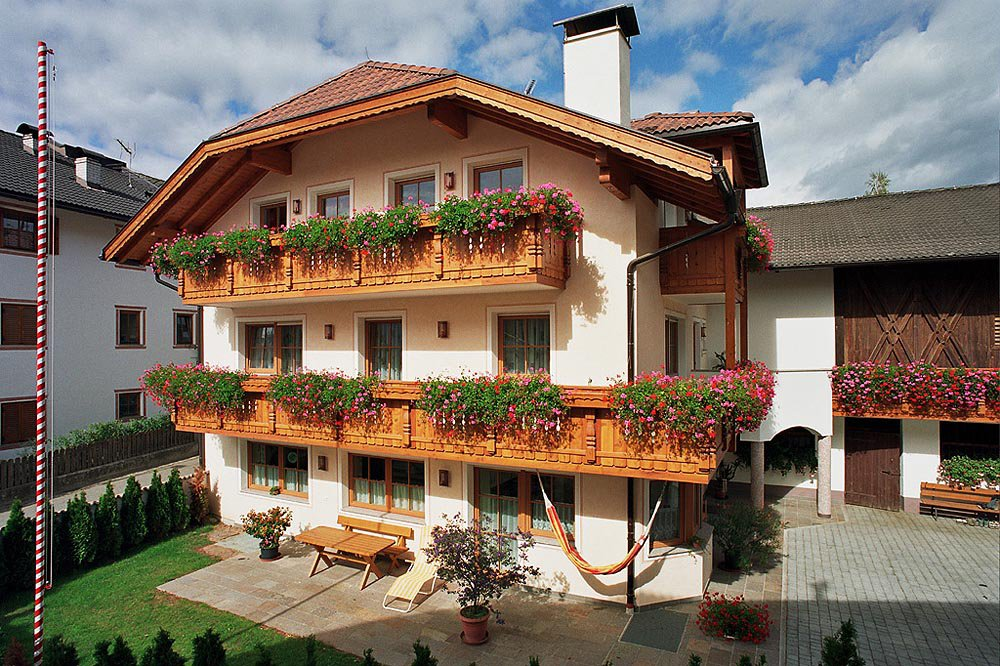 Walderhof in Naz / Sciaves – a traditional family farm in South Tyrol
